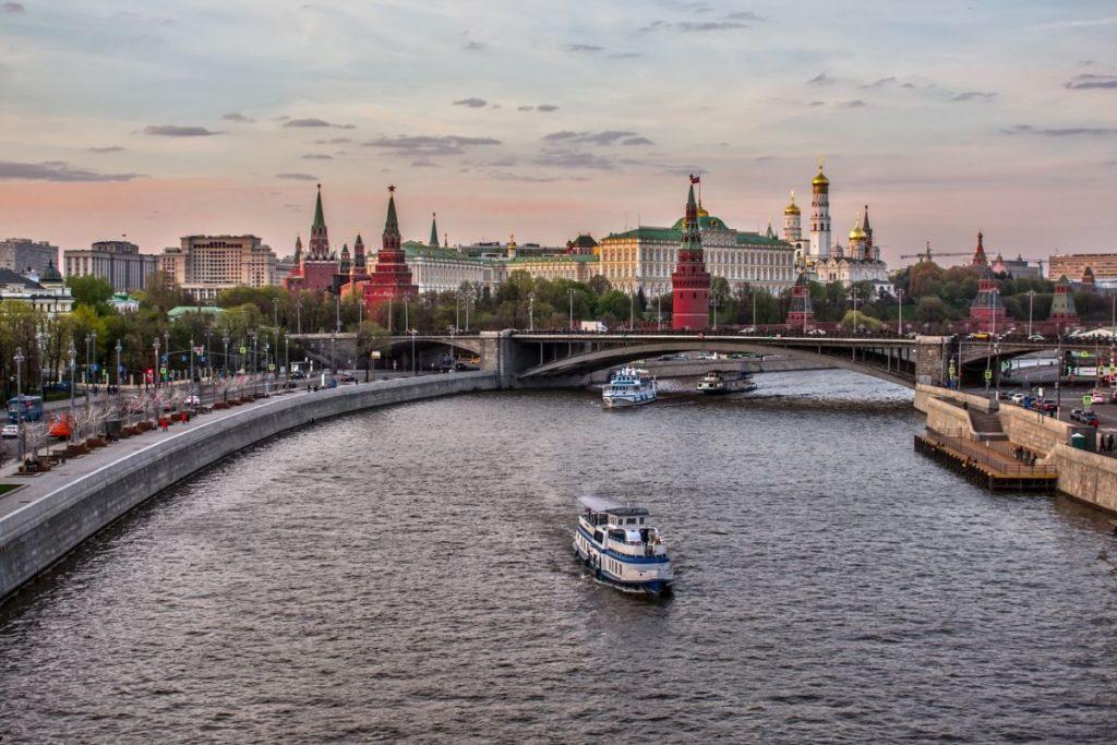 E.Petuhova Moskva reka